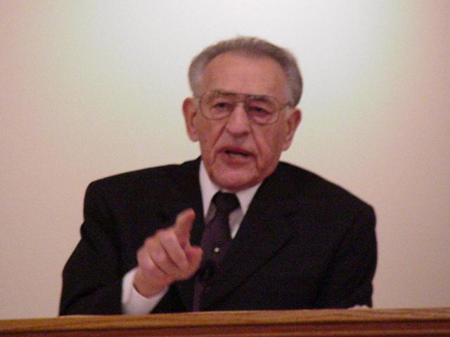 Lee Vayle professor